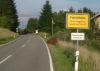 ortsschild eingang freiolsheim waldprechtsweier